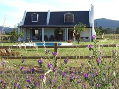 Tulbagh Accommodation : Raptor Rise : Self-Catering. Pet friendly.
