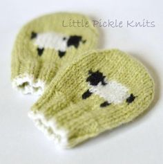 With this pattern by Little Pickle Knits you will lear how to knit a Baby Mittens - little baa baa - newborn to 1 year step by step. It is an easy tutorial about baby to knit with crochet or tricot. Knitting Books, Knitting For Kids, Knitting Projects, Easy Knitting, Baby Mittens, Knit Mittens, Knitted Hats, Baby Socks, Baby Knitting Patterns