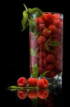 Super Fruit And Vegetables Photography Nature Ideas Best Picture For Vegetables recipes For Your Tas Fruits Photos, Fruits Images, Vegetables Photography, Fruit Photography, Red Fruit, Fruit Art, Masterchef, Beautiful Fruits, Weird Food