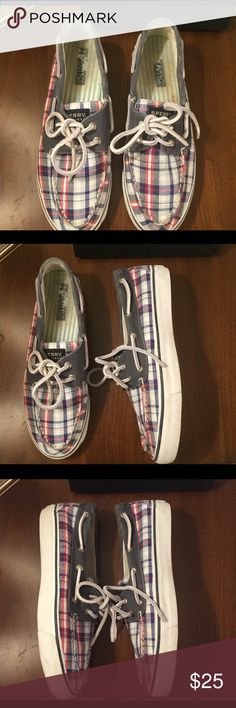 Women's Sperry Topsider Plaid Boat  Shoe - 7.5 Women's Plaid Canvas Boat Shoe. Great condition. Women's Sperry Top Sider Boat Shoe. Great for summer! Sperry Top-Sider Shoes Flats & Loafers
