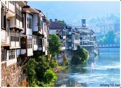 Amasya is a province of Turkey, situated on the Yesil River in the Black Sea Region to the north of the country. Turkey Vacation, Turkey Travel, Ancient City, Places To Travel, Places To Visit, Visit Turkey, Black Sea, Istanbul Turkey, Historic Homes