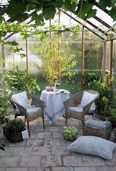 LILLA VILLA VITA #conservatorygreenhouse