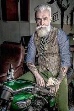 Alessandro Manfredini  for solomon's beard,  prodocts for beard! Solomonbeard.com