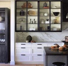 Modern Kitchen Interior Remodeling There is definitely a modern industrial appeal to steel-framed glass cabinetry in the kitchen. It offers a light touch and when styled as… - Home Interior, Interior Design Kitchen, Home Design, Design Design, Detail Design, Design Ideas, Classic Interior, Front Design, Modern Interior