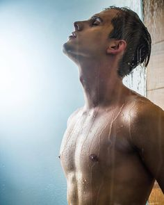 No nudes, just hot shirtless guys. Please enjoy. Men In Shower, Man Shower, Shower Time, Ugly Men, Men Beach, Male Photography, Photography Ideas, Tumblr, Shirtless Men
