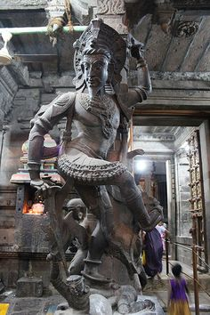 *Part Some of the amazing, minute & gigantic work, average pillar's height is 15 feet. Nellaiappar Temple is dedicated to the deity Lord Shiva at Thirunelveli, Tamilnadu, India. Indian Gods, Indian Art, Monuments, Monument In India, Indian Temple Architecture, Ancient Architecture, Temple India, Temple Ruins, Shiva Statue