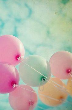 Ideen für Deko mit Luftballons. Ballon Ideen zur Dekoration für Geburtstage, Hochzeiten, Feiern und Partys. Tischdeko, DIY