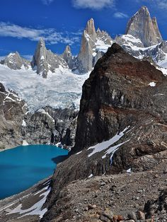 ✮ A cold mountain lake - Monte Fitz Roy, Argentina