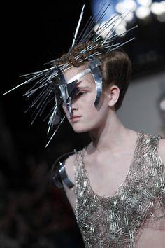 Dark Fashion, Urban Fashion, Fashion Art, Dystopian Fashion, Cyberpunk Fashion, Mermaid Parade, Post Apocalyptic Fashion, Mexican Designs, She Is Clothed