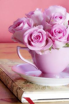 Ana Rosa, tea and flowers Saved by C Beau My Flower, Pretty Flowers, Pretty In Pink, Perfect Pink, Rosa Rose, Deco Floral, Color Rosa, Pink Color, Ikebana