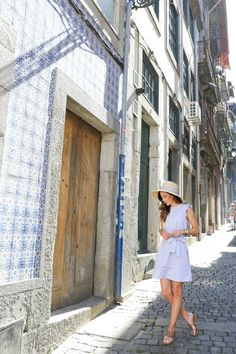 Portugal was in my Top 10 'must see' destinations and I was so happy to tick it off this year! This is my full packing guide on what to wear in Portugal!