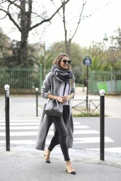 grauen Mantel Outfit Wintermode-Trends Streetstyle Source by freshideen Casual Chic Outfits, Casual Shoes, Modest Fashion, Love Fashion, Womens Fashion, Gq Fashion, Mode Outfits, Fashion Outfits, Fashion Trends