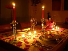 The 17 Cutest Things to Do With Your Date on Valentine's Day Romantic Room, Romantic Night, Romantic Dates, Romantic Dinners, Romantic Ideas, 4th Year Anniversary Gifts, Happy Anniversary, Cute Date Ideas, Gift Ideas