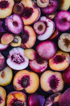Baking peaches brings out their natural sweetness for a quick and easy sweet summer treat with endless possibilities! Fruit And Veg, Fruits And Veggies, Fresh Fruit, Vegetables, Food Wallpaper, Wallpaper Backgrounds, Photo Fruit, Image Deco, Food Texture