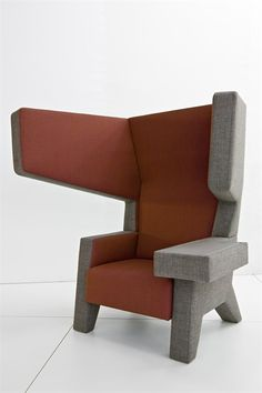 Ear Chair Design by Studio Makkink Bey Furniture Makeover, Home Furniture, Furniture Design, Modern Furniture, Muebles Art Deco, Deco Design, Design Design, Take A Seat, Cool Chairs