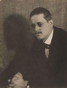 James Joyce. Foto Man Ray 1922.