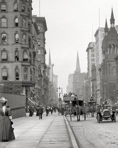 New York circa 1912. Fifth Avenue near 42nd Street (the wall on the left was the reservoir for the city, now occupied by the Public Library)