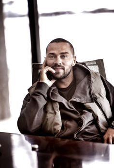 I am SO in love with this man's mind. Jackson Avery, Jesse Williams, Grey Anatomy Quotes, Greys Anatomy, William Trevor, Teen Wolf Boys, Michael Ealy, Detroit Become Human, Perfect Man