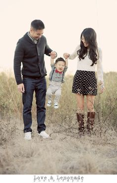 orange-county-family-photographer-baby-photos-with-red-balloon-007