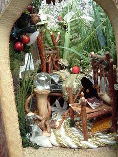 Fairy houses, custom handcrafted fairy houses http://www.twigwizardry.com/Popups/FaeryCanopyBed.html#