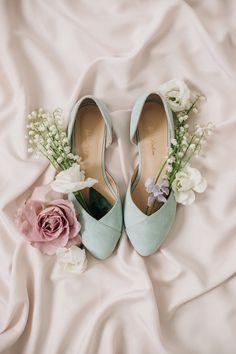 Mint Wedding Shoes, Wedding Shoes Bride, Mint Shoes, Vintage Wedding Shoes, Ballet Wedding, Vintage Shoes Women, Bridal Flats, Bridal Shoe, Mint Flowers