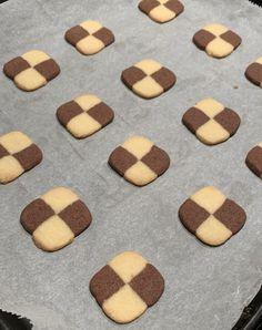 Schackrutor recept – Lindas Bakskola Sweet Bakery, Candyland, Cookies, Desserts, Christmas, Crack Crackers, Tailgate Desserts, Xmas, Deserts