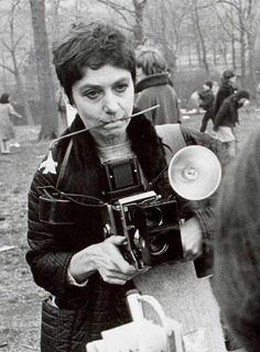 """Diane Arbus in Central Park, by Garry Winogrand """"The world can only be grasped by action, not by contemplation. The hand is the cutting edge of the mind"""" ~ Diane Arbus Diane Arbus, Garry Winogrand, Vintage Cameras, Vintage Photos, Robert Frank, Transgender People, Louise Bourgeois, Portraits, Famous Photographers"""