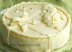 Meggyes-mascarponés csokitorta és a csodás pillecukor bevonó Icing, Cake, Food, Pie Cake, Pie, Cakes, Essen, Yemek, Meals