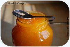 """Source : """"Papa bosse, maman cuit"""" Une bien bonne marmelade qu'il faut vous empresser de faire ! Je vous dirai pourquoi dans quelques jours... Ingrédients : 60 g de zestes d'oranges et de citrons, 500 g d'oranges pelées à vif, 1 citron pelé à vif, 1 carotte,..."""
