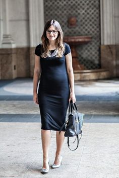 Love a chic black dress on a bump! Asos Maternity, Stylish Maternity, Maternity Fashion, Maternity Styles, Maternity Photos, Capsule Wardrobe, Fall Wardrobe Essentials, Bump Style, Pregnancy Outfits