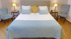 hotel dans les #alpilles au style  #cosy et propice à la #détente. Lors de votre prochaine visite aux #bauxdeprovence, découvre notre #hotel