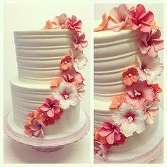 Sugar flowers engagement cake - plumeria, hibiscus, hydrangea #polkadotscupcakefactory