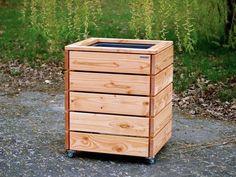 Pflanzsäule / Pflanzkübel Holz L, Höhe 84 cm + 5 cm Lenkrollen