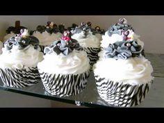 Edens Secret - Bubble Bath Bomb Cupcakes - YouTube Cupcake Bath Bombs, Cupcake Soap, Bath Bomb Recipes, Soap Recipes, Diy Bath Bombs Easy, Cupcake Youtube, Bubble Bath Bomb, Bath Fizzies, Bath Salts