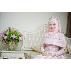 เจาสาวสดสวยวนน  . Contact: 0870458993 Line: marnfoto http://ift.tt/1EaOB7H  #Marnfoto #MarnPhumdokmaiPhotographer #BarakaAllahuLakuma #Walimah #NikahDay #Nikah #Nikaah #Wedding #WeddingCeremony #Weddings #WeddingPhotography #MuslimPhotographer #Photographer #Photographyservice #muslim #MislimWeddingDress #Muslimah #Bride #Freelance #FreelancePhotographer #ThailandPhotographer #Thailand by marnfoto