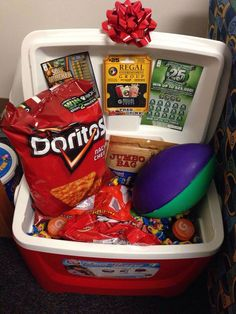 65 super ideas diy gifts for husband birthday easter baskets – Gift Basket Ideas Organizer Box, Gifts For My Boyfriend, Football Boyfriend Gifts, 21st Birthday Gifts For Boyfriend, Boyfriend Graduation Gift, Boyfriend Ideas, Fathers Day Crafts, Fathers Day Gift Basket, Doritos