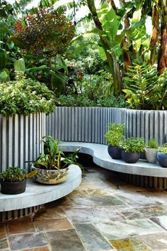 garden-curved-concrete-Peter-Nixon-feb12