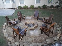 Diy fire pit ideas and backyard seating area (33)