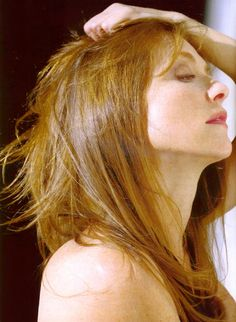 Picture of Isabelle Huppert Isabelle Huppert, Gorgeous Women, Beautiful People, French Actress, Redheads, Movie Stars, Actresses, Long Hair Styles, Celebrities