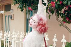 not a fan of pink hair of course, but I love the short vintage curls
