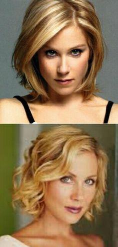 Christina Applegate curly and straight bob