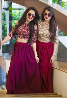 Indian fashion has changed with each passing era. The Indian fashion industry is rising by leaps and bounds, and every month one witnesses some new trend o Long Gown Dress, Lehnga Dress, Lehenga Blouse, Lehenga Choli, Dress Lace, Dress Skirt, Indian Wedding Outfits, Indian Outfits, Indian Attire