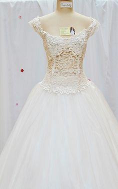 Free Image on Pixabay - Dress, Wedding Dress, White, Marry Long Wedding Dresses, Cheap Wedding Dress, Wedding Gowns, Bridesmaid Dresses, Wedding Songs Reception, Wedding Gifts For Bride, Wedding Favors, Celebrity Dresses, Celebrity Weddings