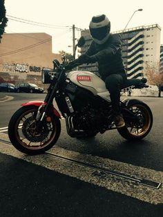 Yamaha XSR 900  Trop Jolie!!!!!!!!!!!!!!!