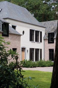 Realization Domus Aurea, Schilde - Belgium. Image via the magazine Home Sweet Home.