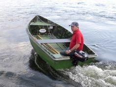 Лодка для рыбалки и отдыха