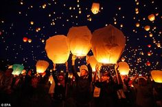 Amazing. 1000's release lanterns into the sky in Poland. Have always wanted to see this what a Rapunzel-like moment!!