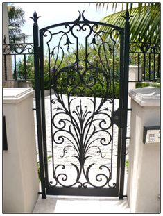wrought iron gate Stunning, classic jewelry: www. Wrought Iron Doors, Wrought Iron Fences, Front Gates, Entrance Gates, Garden Gates And Fencing, Wooden Gates, Iron Work, Door Design, Outdoor Decor