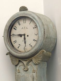 ~ beautiful antique mora clock