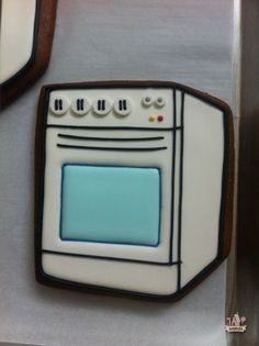 KitchenAid Oven Cookies Tutorial | sweetopia.com #cookies #decorating #tutorial